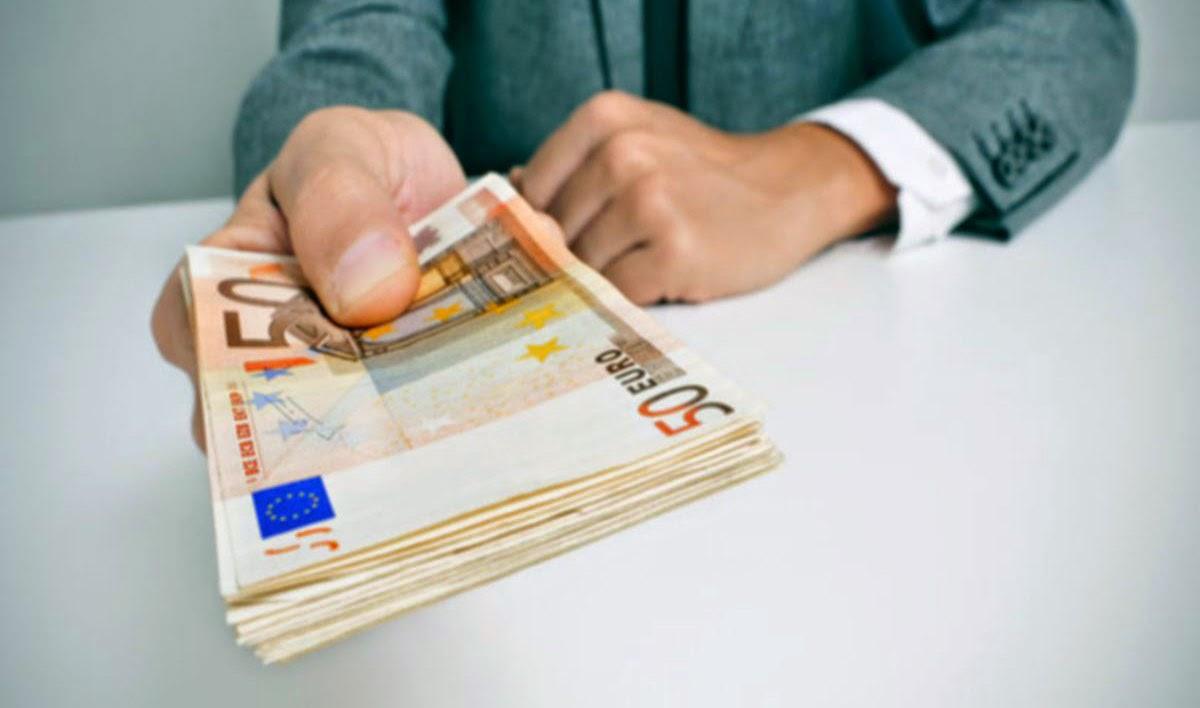 Ποιοι δικαιούνται επιδότηση ως 60.000 ευρώ για να στήσουν τη δική τους επιχείρηση