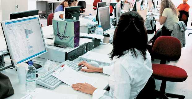 Χίλιοι υπάλληλοι βγαίνουν από το Δημόσιο κάθε μήνα – Παγιώνεται ο αριθμός των συνταξιοδοτήσεων