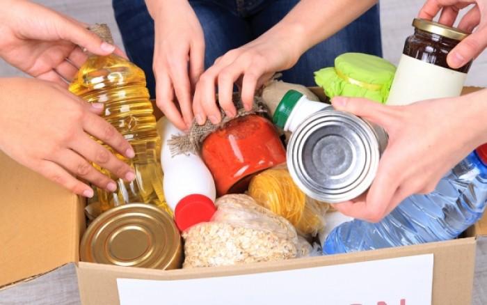 Διανομή τροφίμων για τους δικαιούχους του προγράμματος ΤΕΒΑ